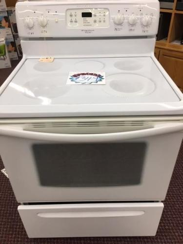 Frigidaire self clean electric range pure white self clean plus delay bake